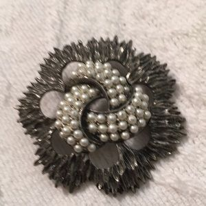 Vintage pewter and faux pearl brooch pin